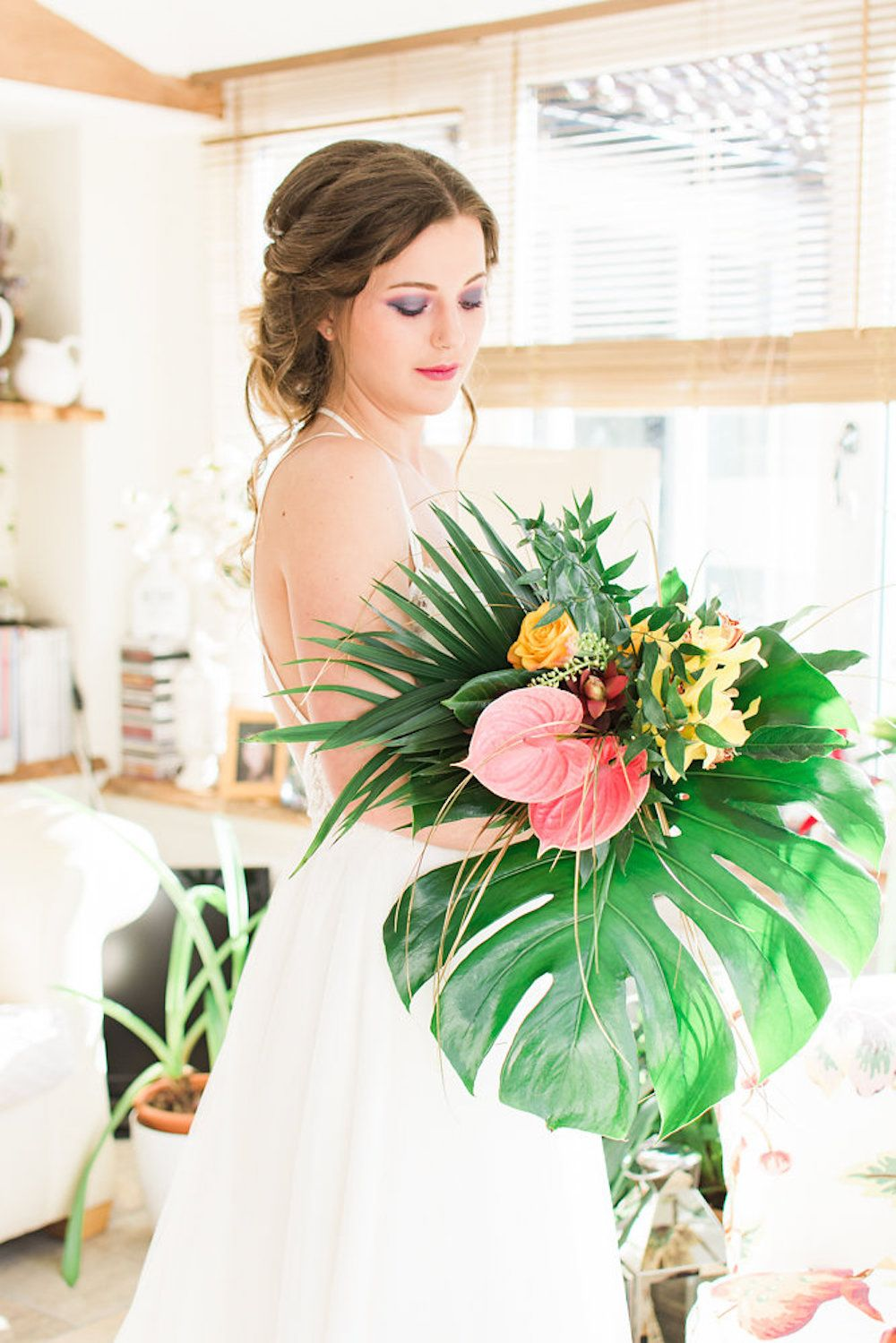Modern Tropical Wedding Inspiration from Scotland ...