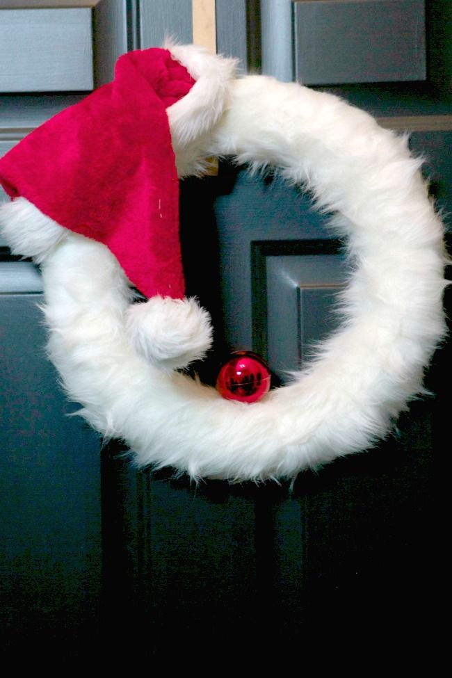 35 DIY Christmas Wreaths That Are Loaded With Enchanting ...